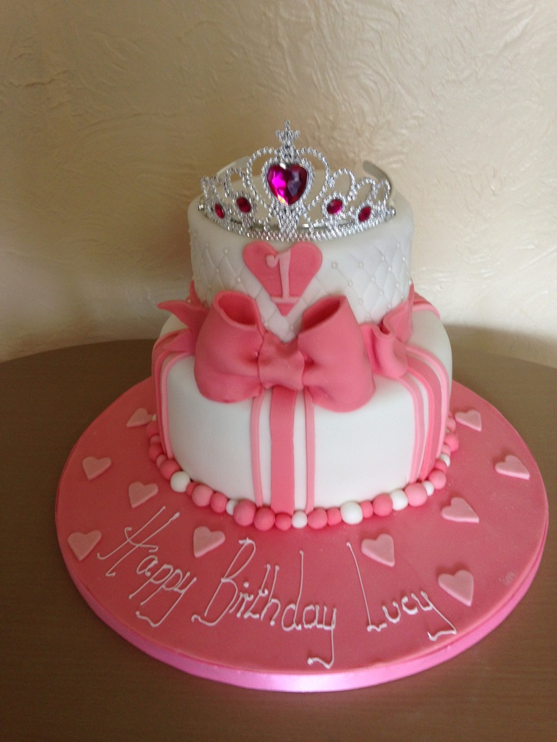 Tiered Cake Kays Cakes Amp Sweet Treats